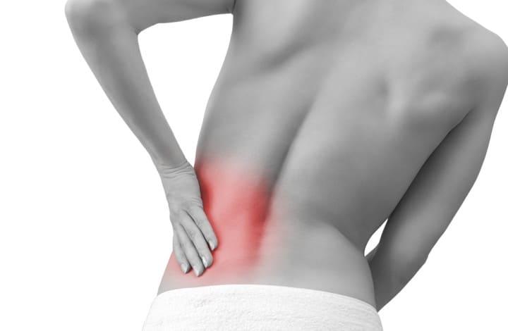 Mal di schiena: come curarlo in modo naturale